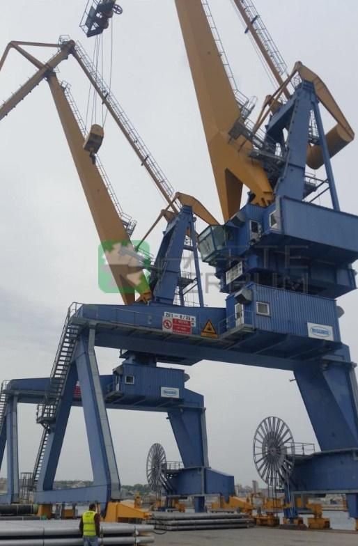 /en/crane-port-harbor-sea-container-4pcs-for-sale-detail